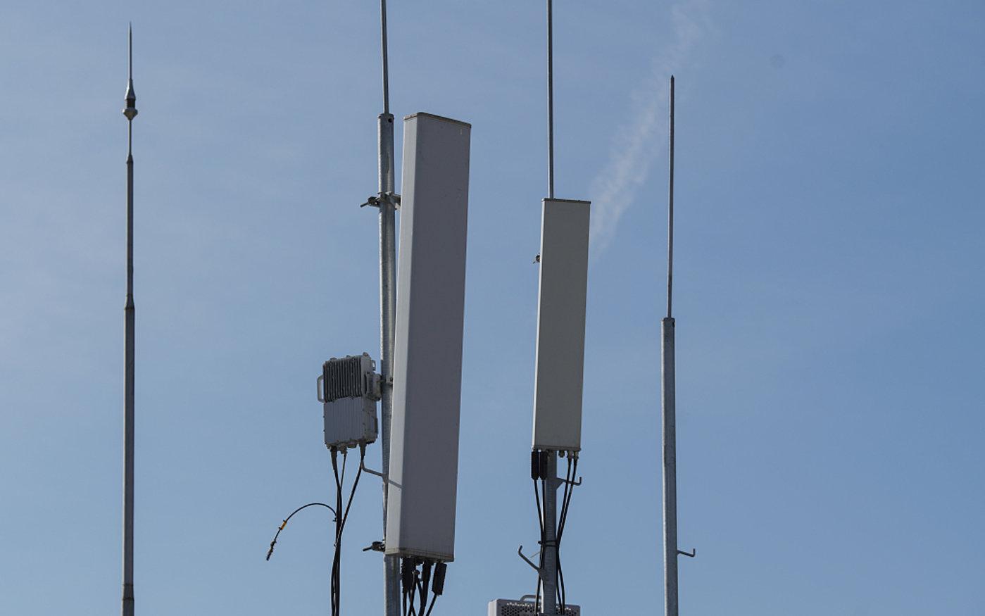 4G5G多模块频谱信号发生器。图/视觉中国