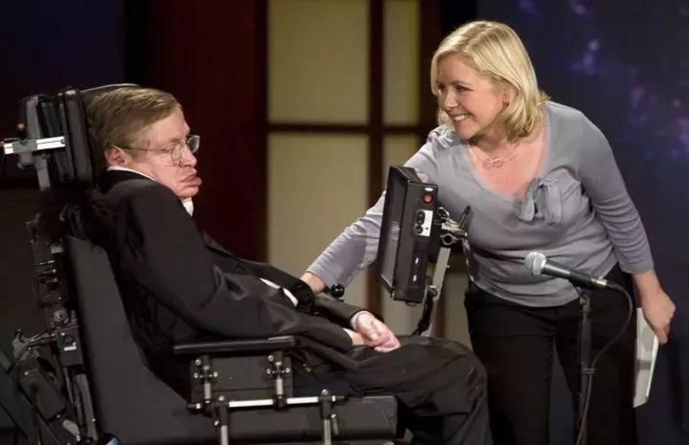 Lucy Hawking 与她的父亲