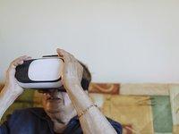 """算法预测""""排尿""""、打游戏治中风...科技如何应对老龄化危机?"""
