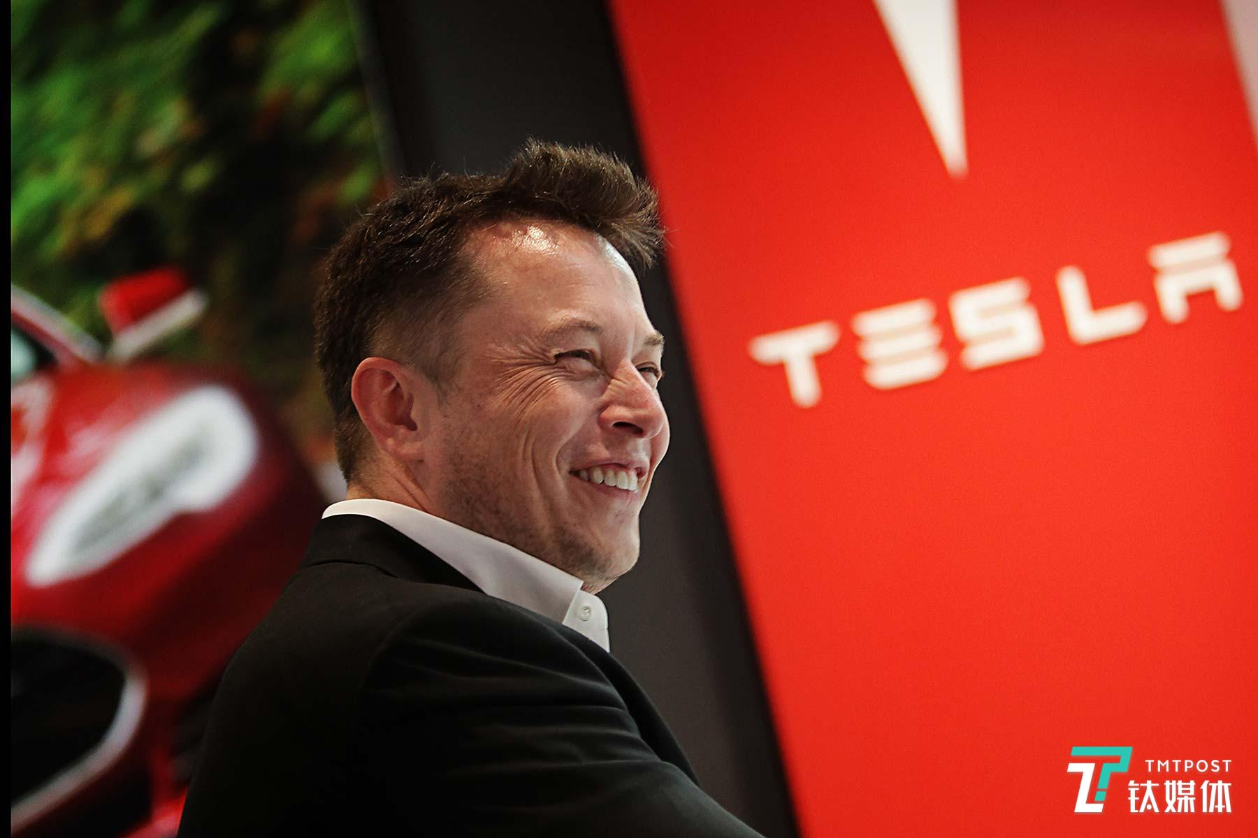 特斯拉Model X又出事故,Autopilot失控   2月12日坏消息榜