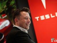 特斯拉Model X又出事故,Autopilot失控 | 2月12日坏消息榜