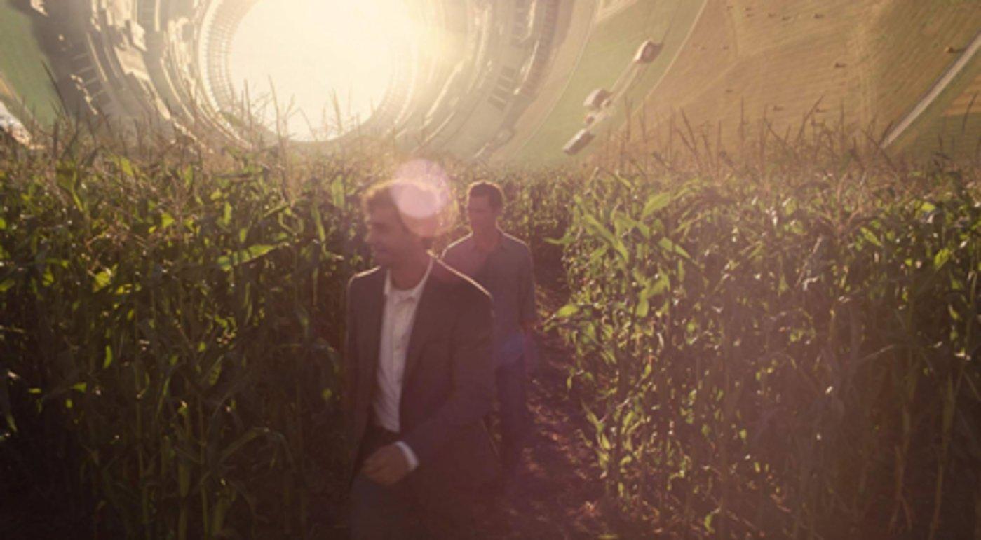 电影《星际穿越》里的库伯空间站Cooper Station,人类在外星球用隔离罩建造的太空家园