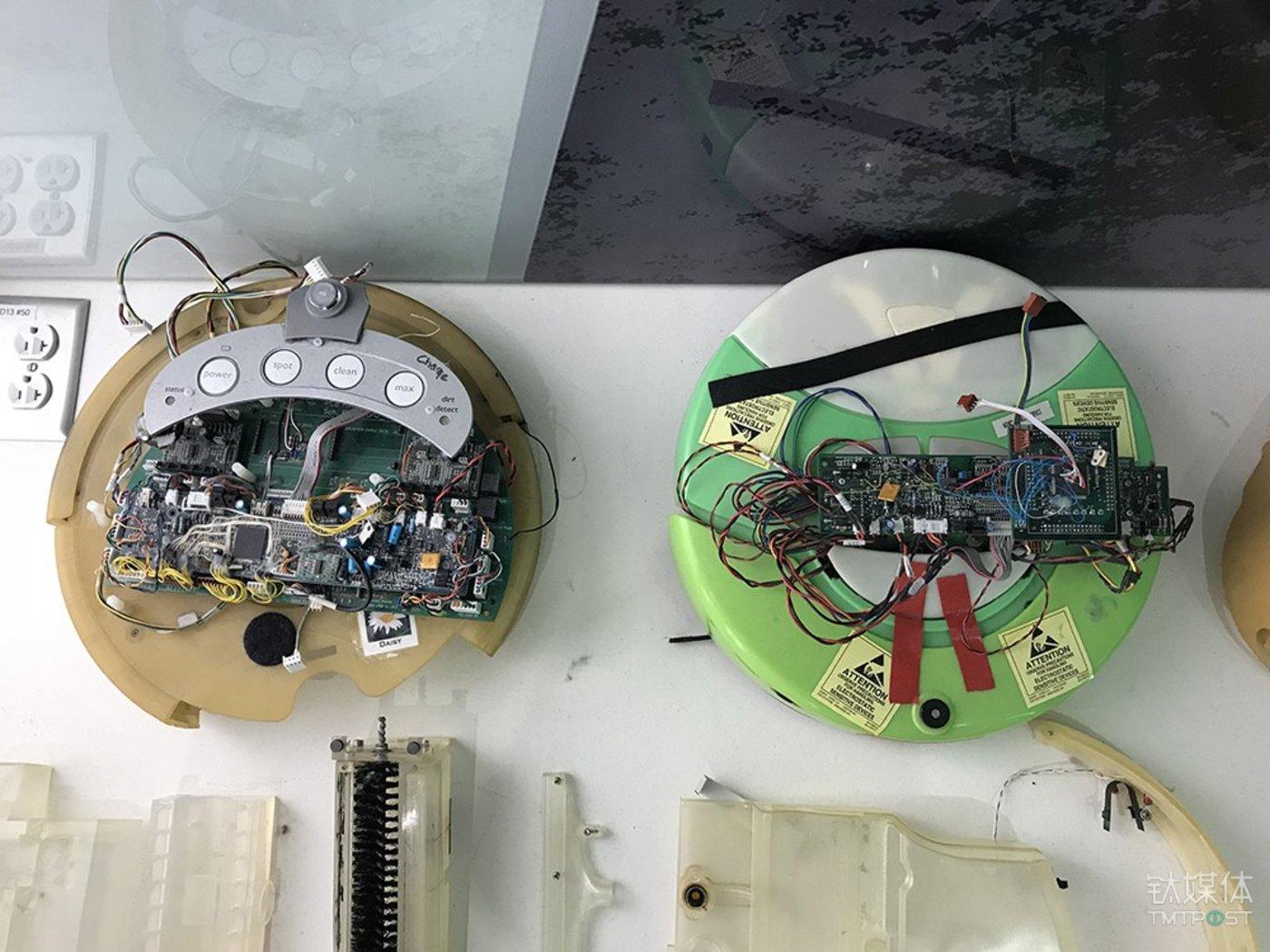 Roomba的底盘结构