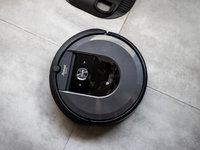 告别清理尘盒的烦恼,iRobot i7+ 扫地机器人及自动集尘系统体验 | 钛极客