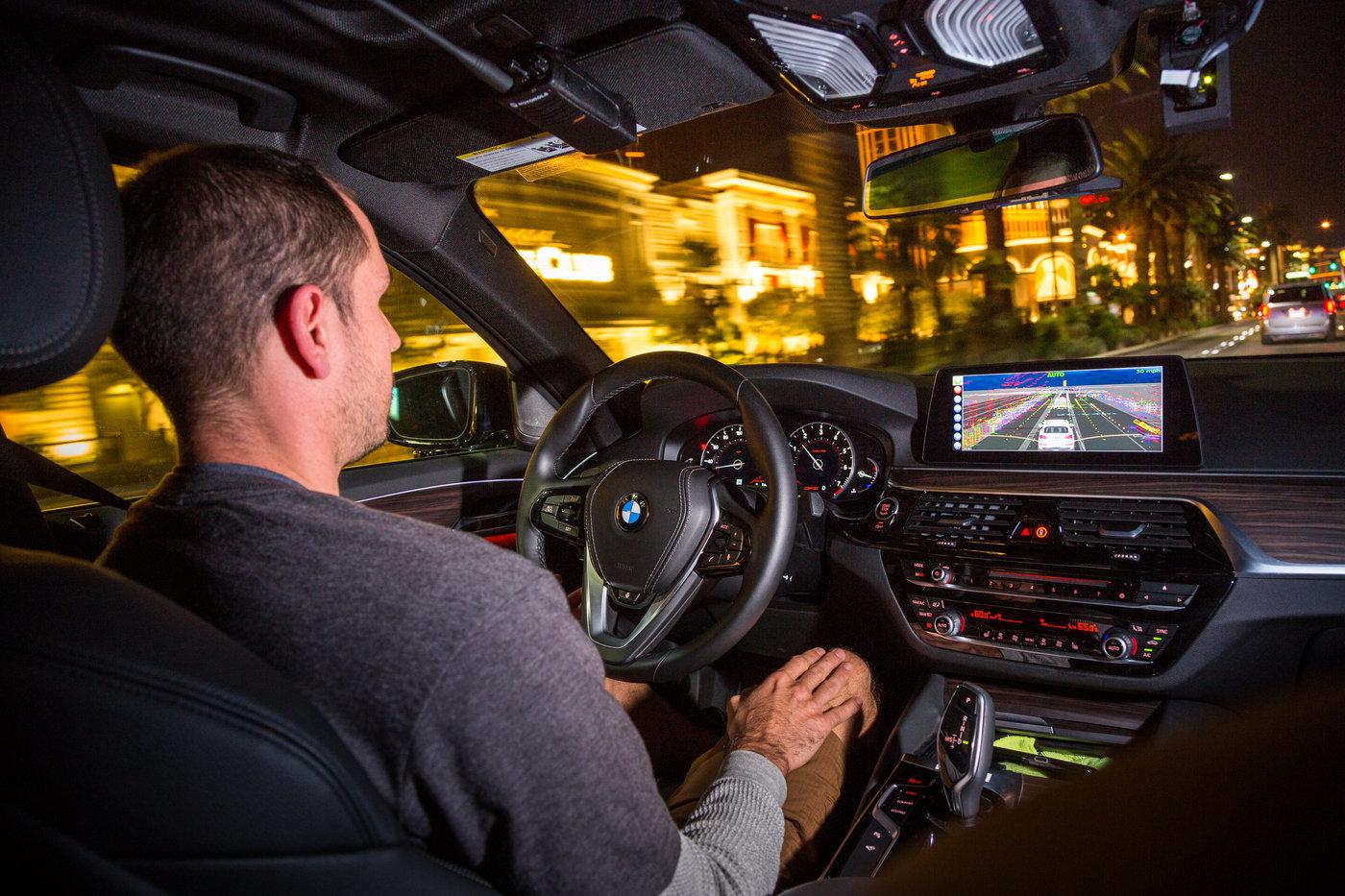 安波福自动驾驶出租车