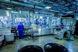 【图集】揭秘苹果回收实验室:5臂机器人一小时拆200部旧手机