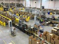 因解雇7名怀孕仓库工人,亚马逊被集体诉讼 | 5月7日坏消息榜