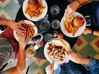 华创资本余跃:餐饮没有绝对的规模效应,持续经营能力是关键 | 投资者说