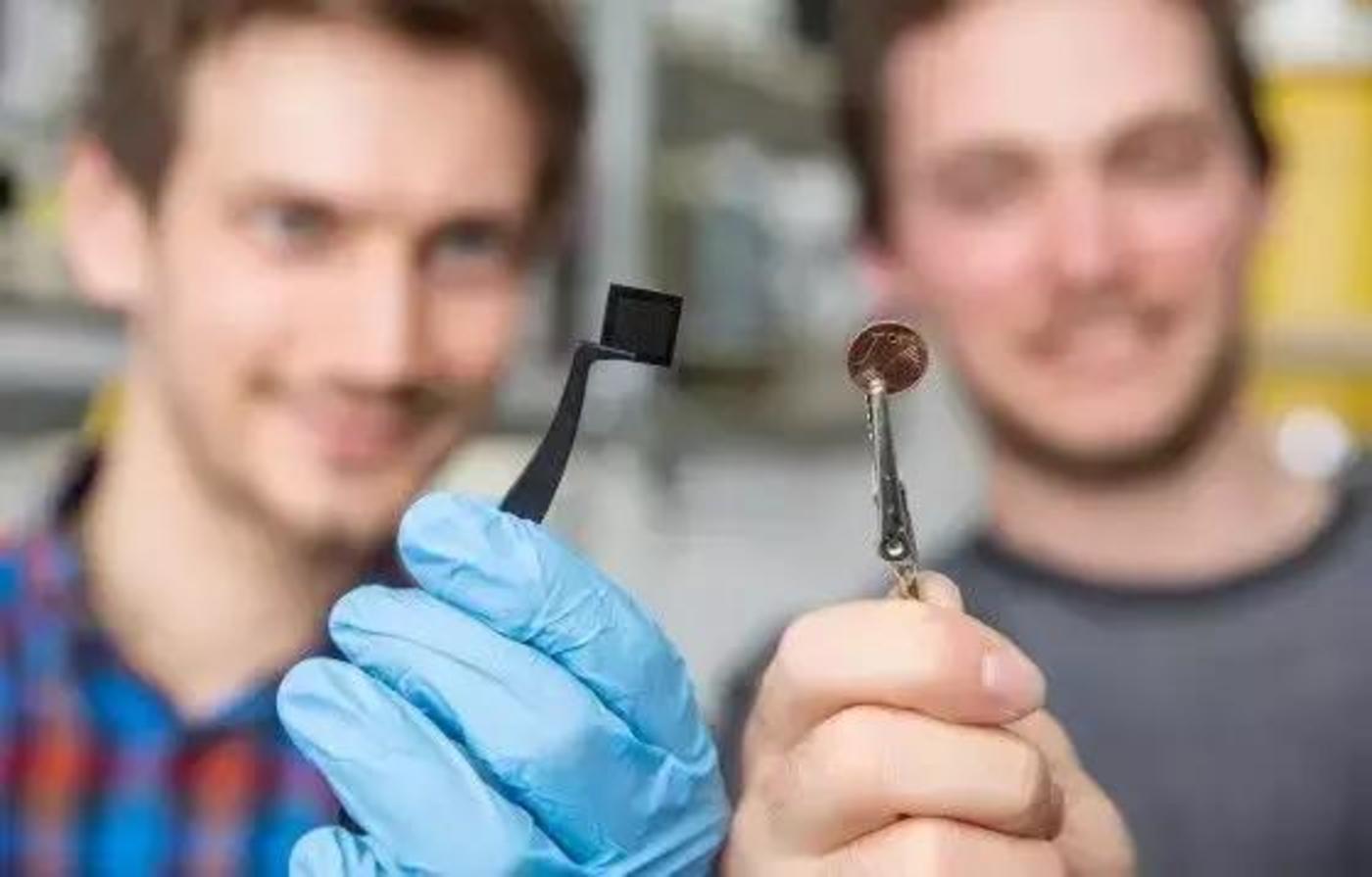 正在开发的光学微芯片大约只有一分钱大小