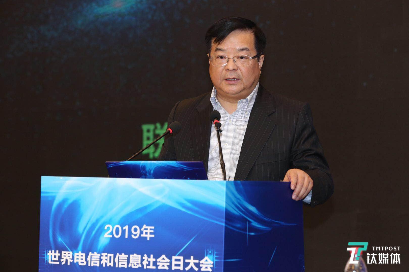 中国移动李正茂:在5个城市开展5G 规模试验,将以独立组网为目标网