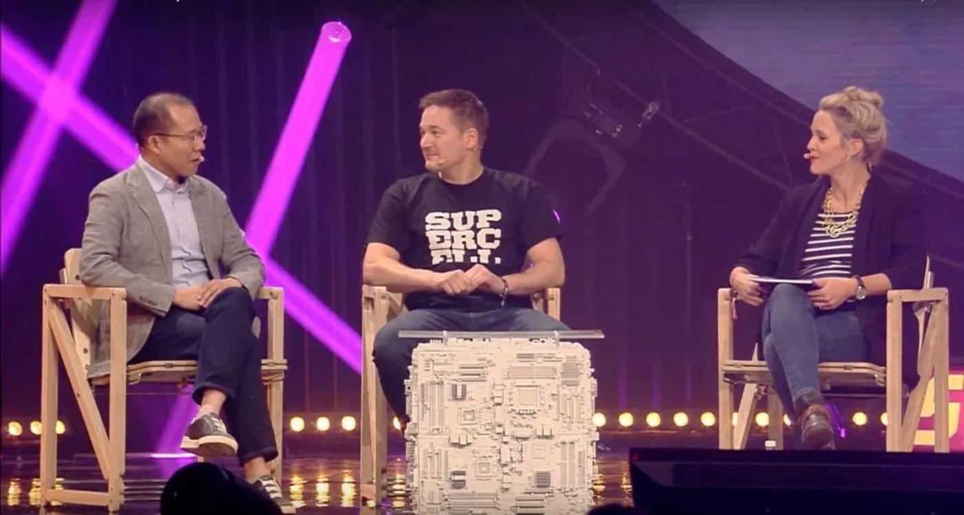左-Martin刘炽平 中-Supercell创始人伊尔卡