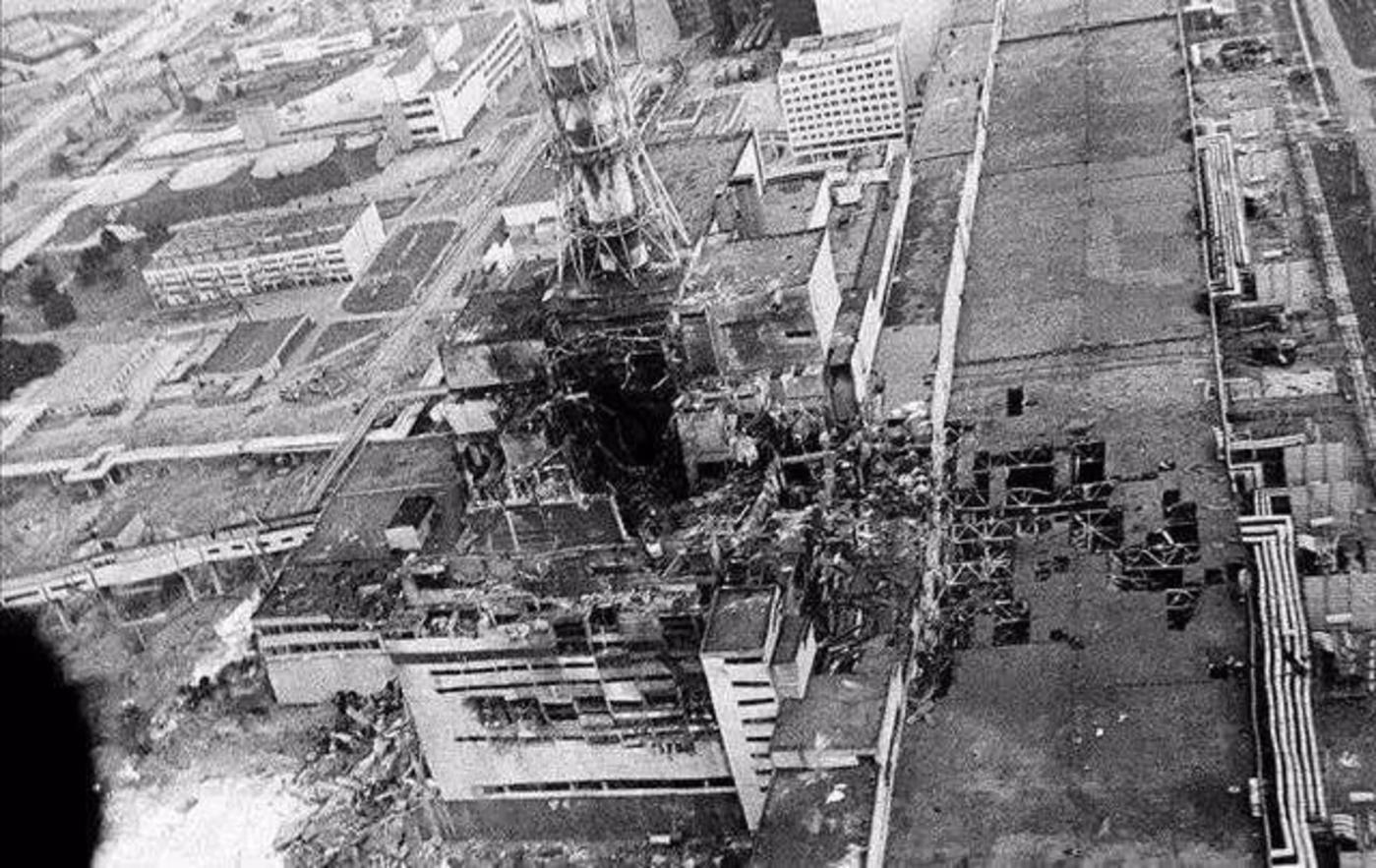 爆炸的4号反应堆照片