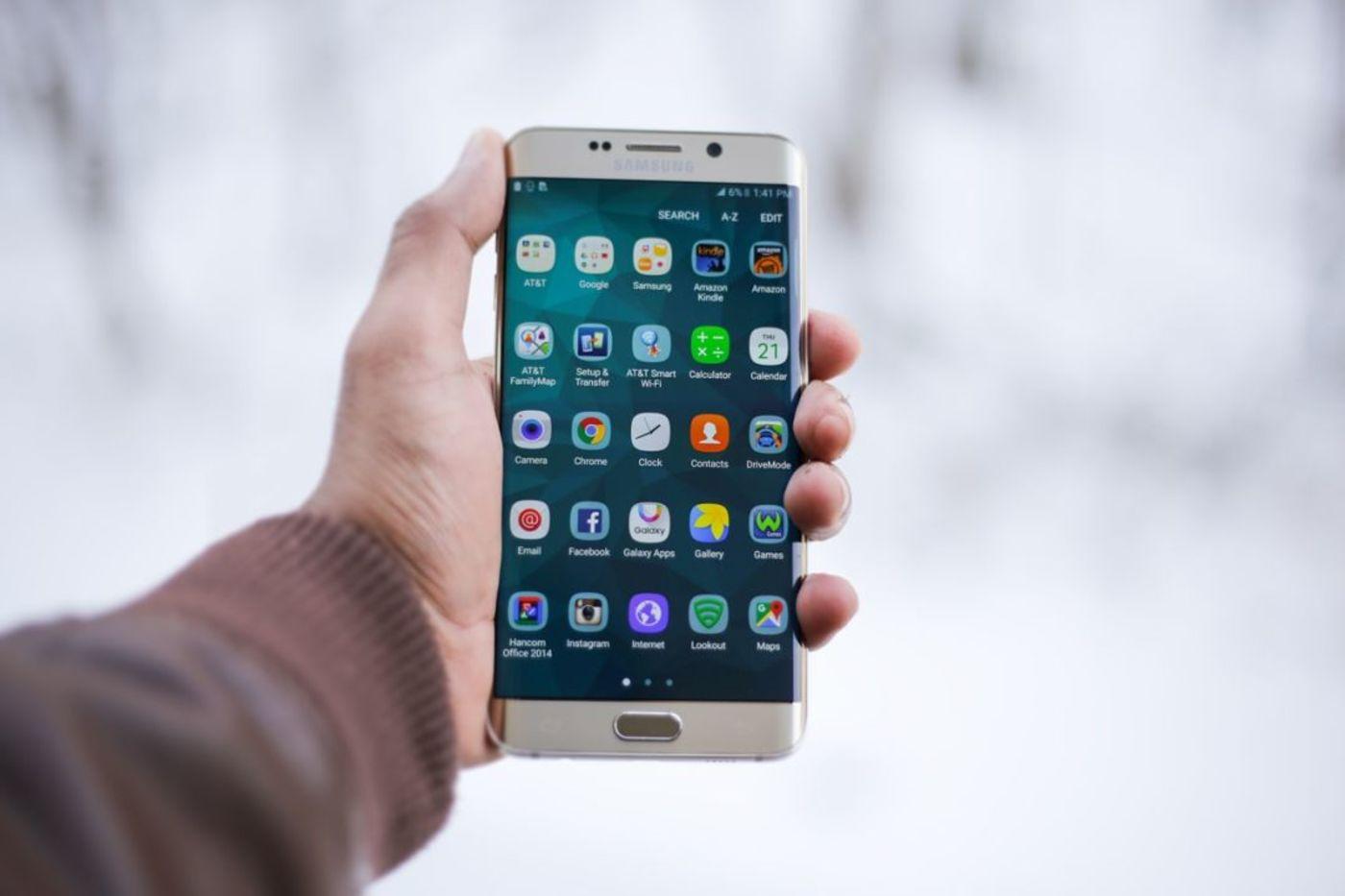 国产手机十年厮杀过后,为何只剩下华为带着米OV?