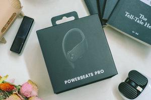"""""""运动样式""""的 AirPods ,Powerbeats Pro 开箱"""