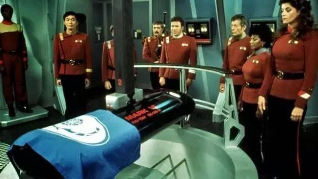 《星际迷航》系列的创始人Gene Roddenberry就是第一批被葬在太空的人