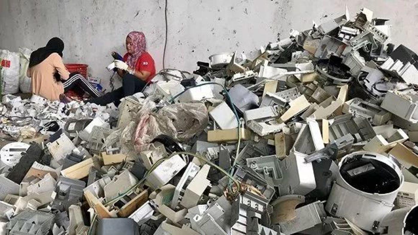 """""""烫手""""的全球塑料垃圾"""