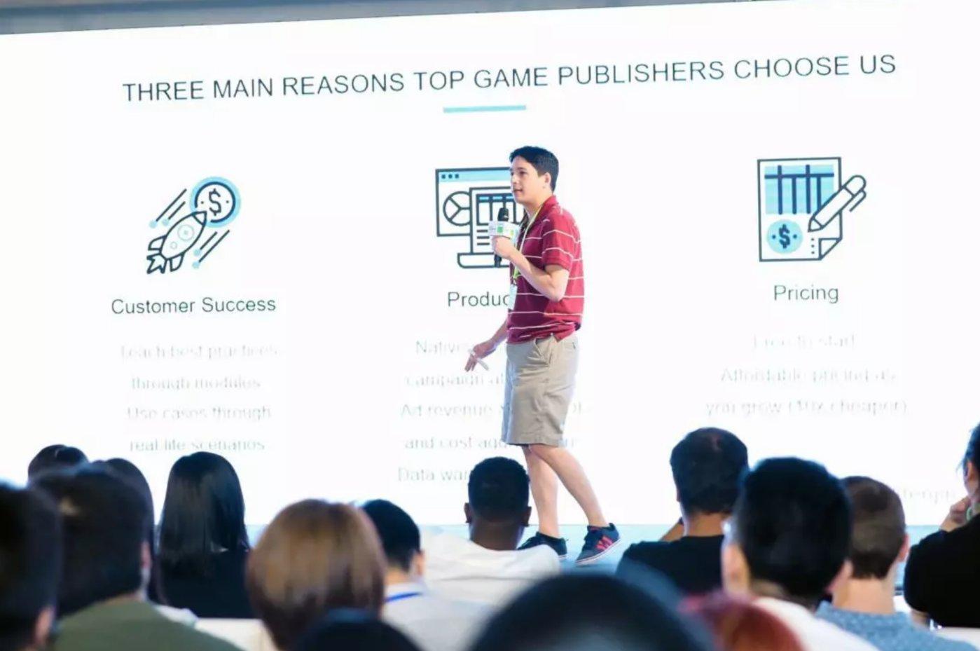 Tenjin CEO ChristopherFarm在会上做分享