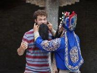 外国演艺人在中国,满足了谁的审美想象?