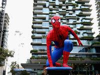 """索?#24119;?#36842;士尼上演争夺战,""""蜘蛛?#39304;?#36855;失何处?"""