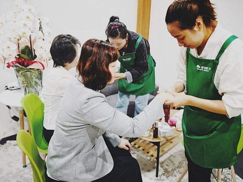 专访植物医生董事长解勇:一个国货护肤品牌是如何在日本立足的?
