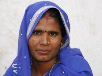 """因為這位偉大的女性,發三條短信再不能""""休""""掉印度妻子"""