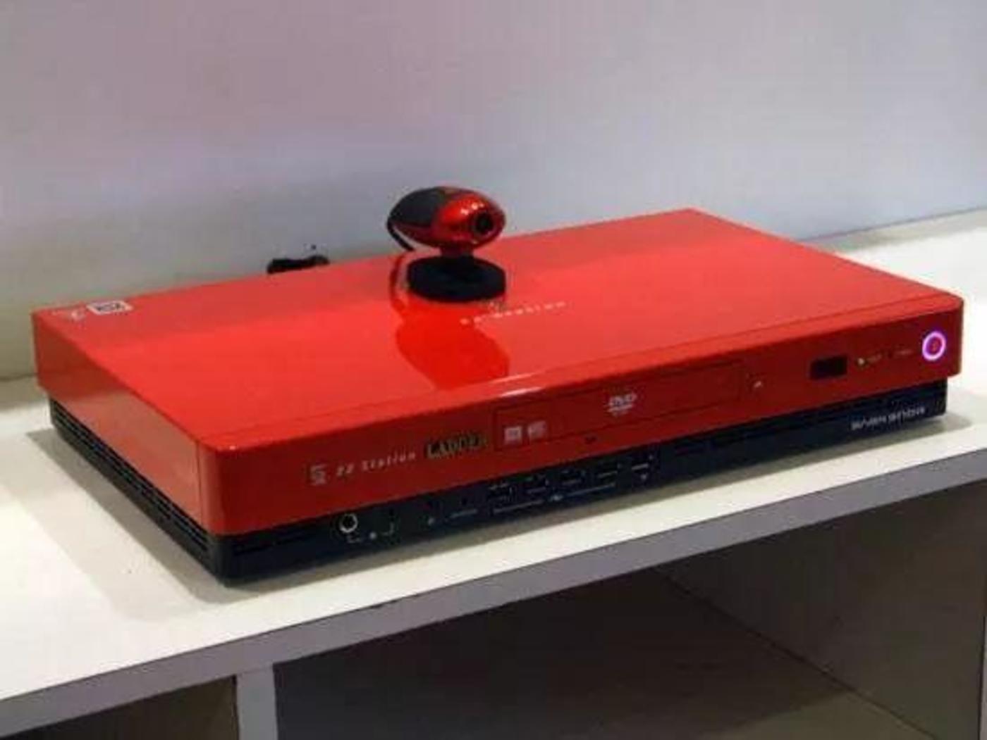 陈天桥的心血杰作——盛大盒子作为次世代家庭互动娱乐的内容中心,其产品理念和产品推出领先苹果公司的第一代APPLE TV长达两年之久