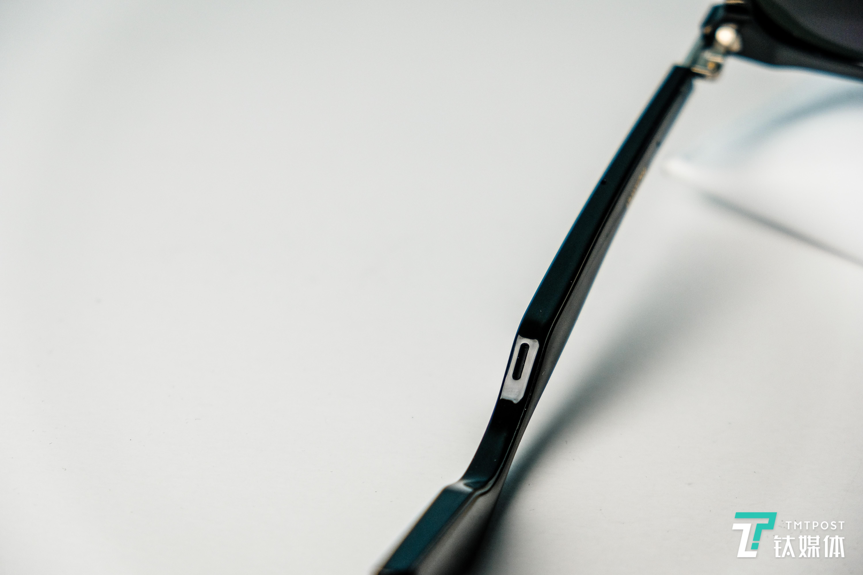 Eyewear的微型扬声器