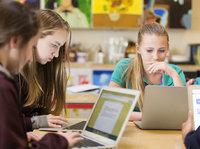截胡未来,或稳固当下:在教育市场缠斗的苹果与谷歌