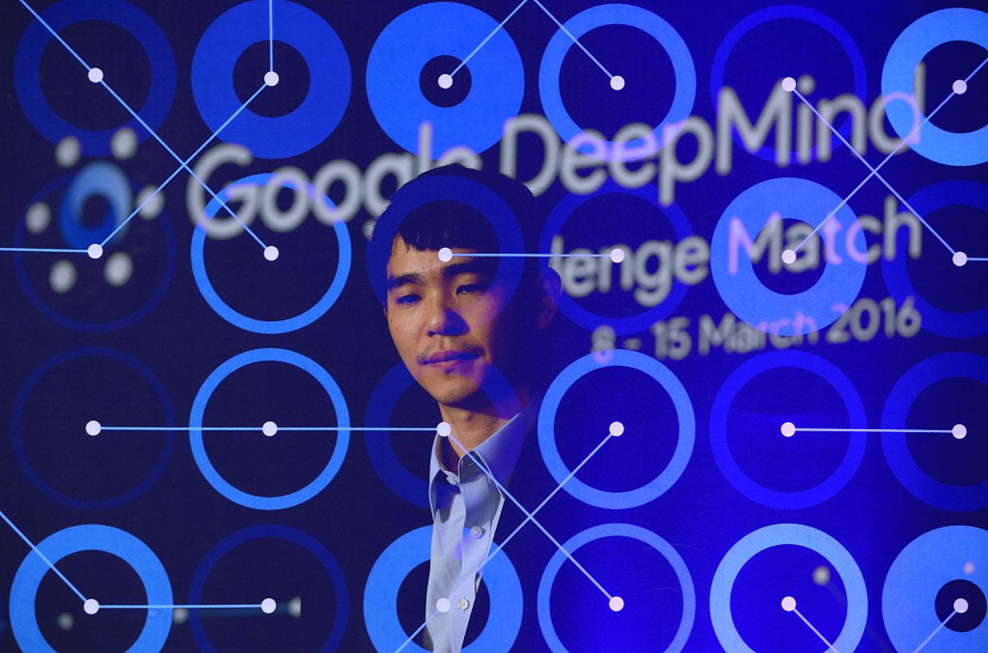 2016年3月13日,韩国首尔,2016围棋人机大战第4局,李世石1-3谷歌AlphaGo。