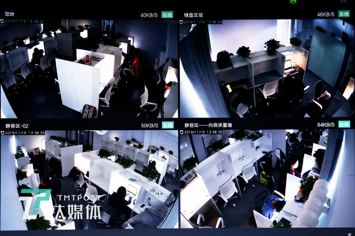 时分自习室监控画面。自习室约90平米,分为静音区、键盘区及公共区,静音区有43个位置、键盘区9个位置,公共区设有储物柜和餐桌。