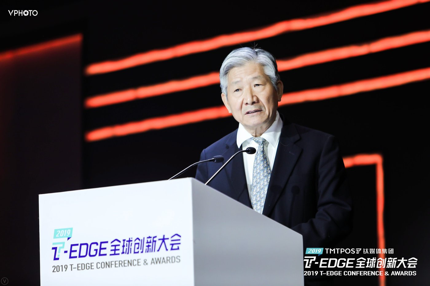 全国第十二届政协委员,国务院发展研究中心原副主任侯云春