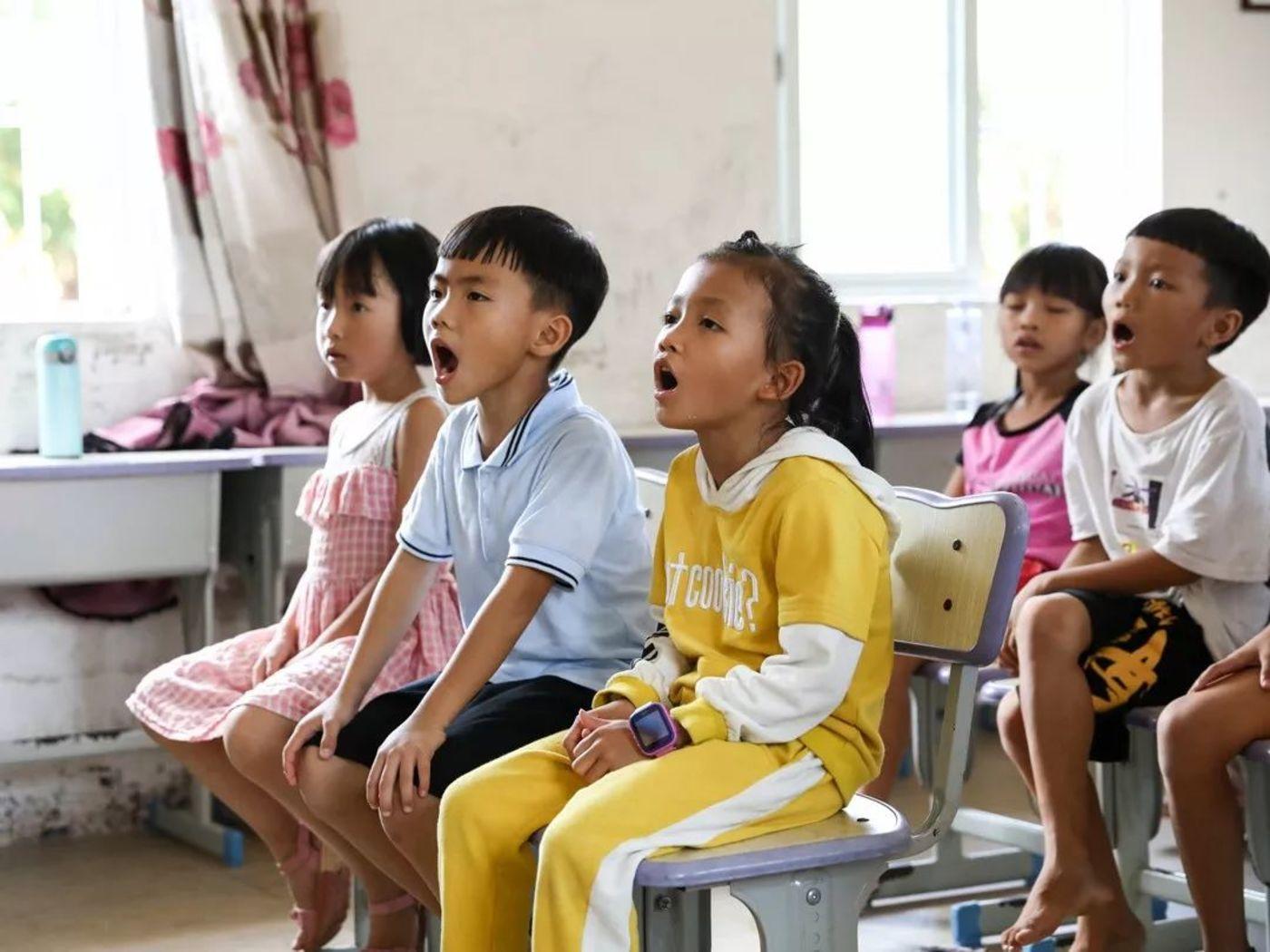 乐罗村的孩子们