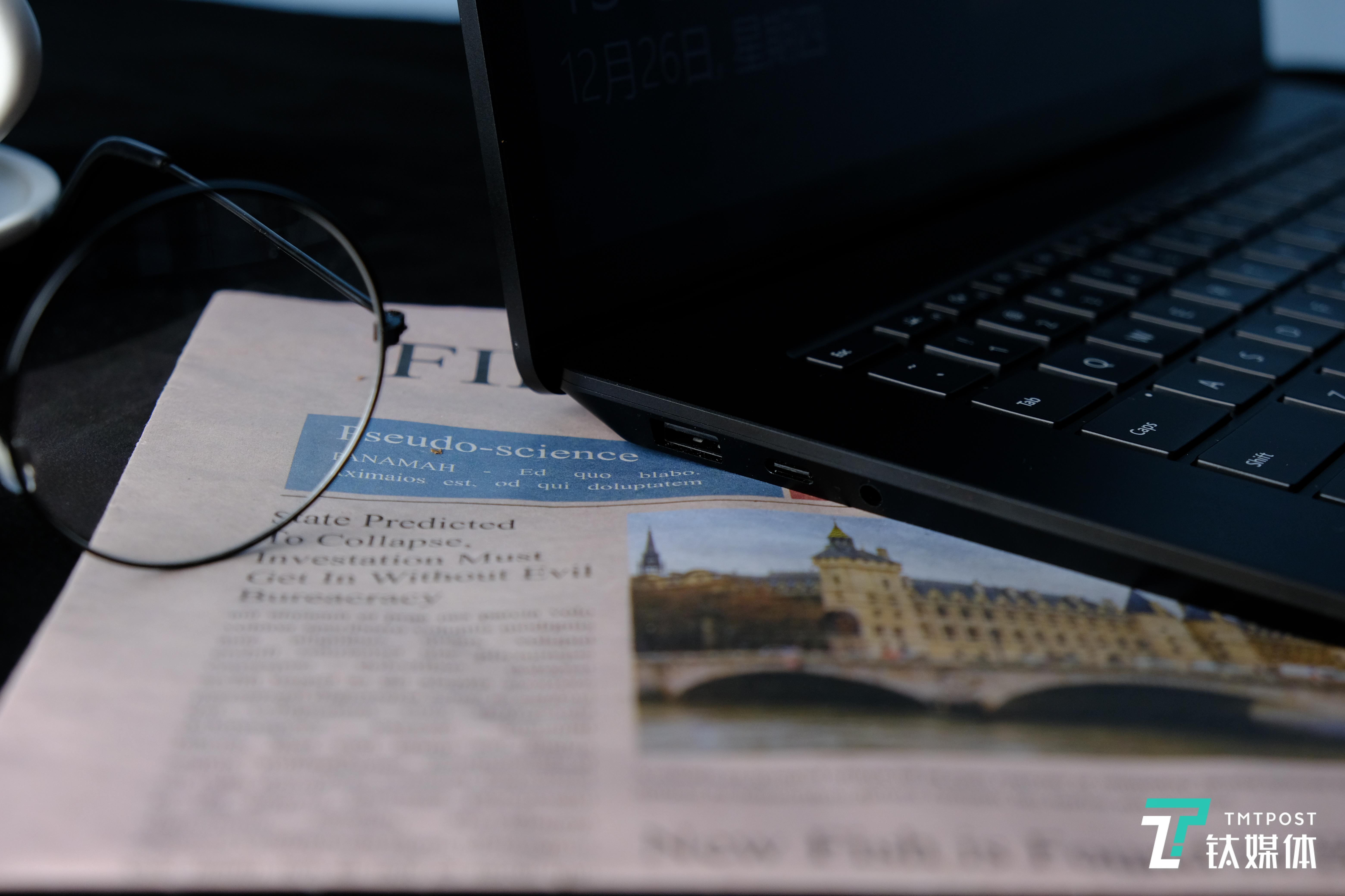 Surface Laptop3侧里接心