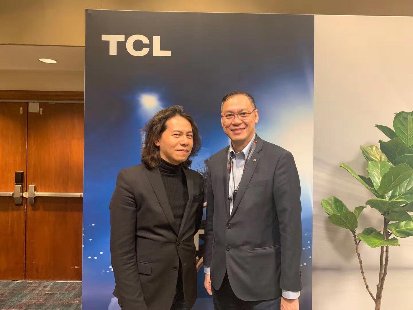 左:TCL通讯全球产品中心总经理 李炫弘,右:全球销售与市场中心总经理 李绍康