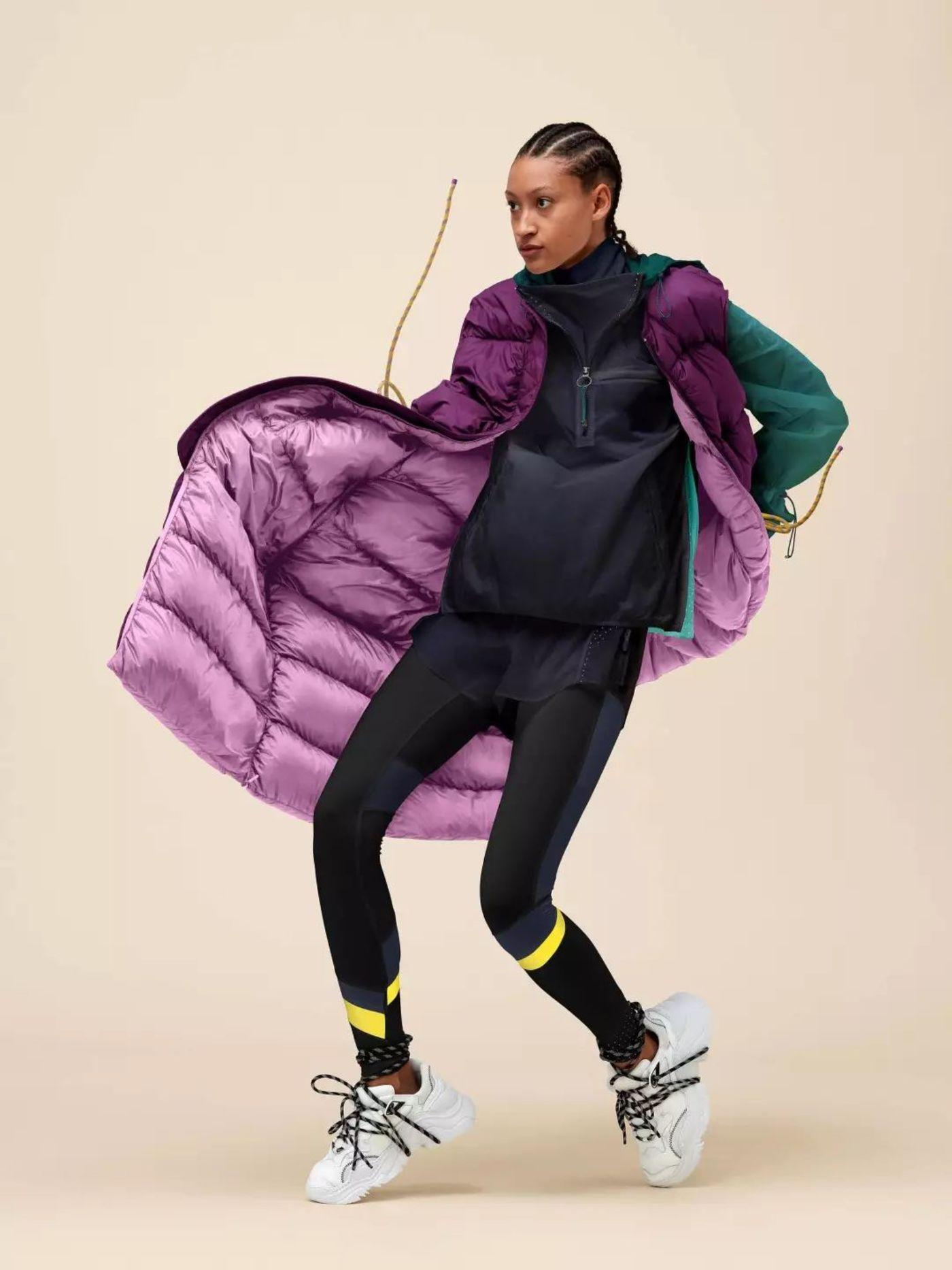 Lululemon x Roksanda 系列的外套,在网店已销售一空,售价 998 美元  图片来源:品牌官方