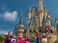 主题公园仅个位数增长,迪士尼只能狂吹Disney+