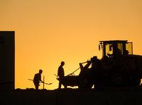 """为""""火雷神山""""工人发工资:开工第一天,5000万工程款就下来了"""