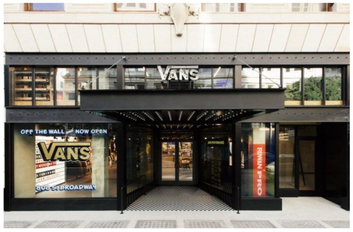 Vans在LA开了首家社区店,流浪青年也可以来上班