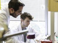 美科学家绘制新冠病毒S蛋白高清结构图,已发送给中国团队 | 钛快讯