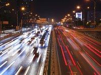 95后山东创业者自担10万运费,提供33台货车驰援武汉