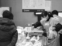 """""""共享员工""""体验记:超市兼职配货日赚二百,有人跳槽有人逃"""