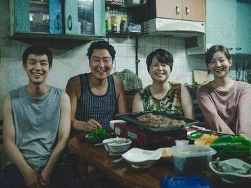 比中国电影历史还短的韩国电影业,凭什么能拿下奥斯卡奖?