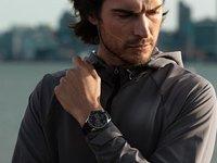泰格豪雅推出智能腕表:OLED可触摸屏+WearOS,支持健康监测
