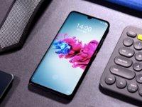 中兴发布首款5G手机天机Axon 11,主打轻薄与视频拍摄 | 钛快讯
