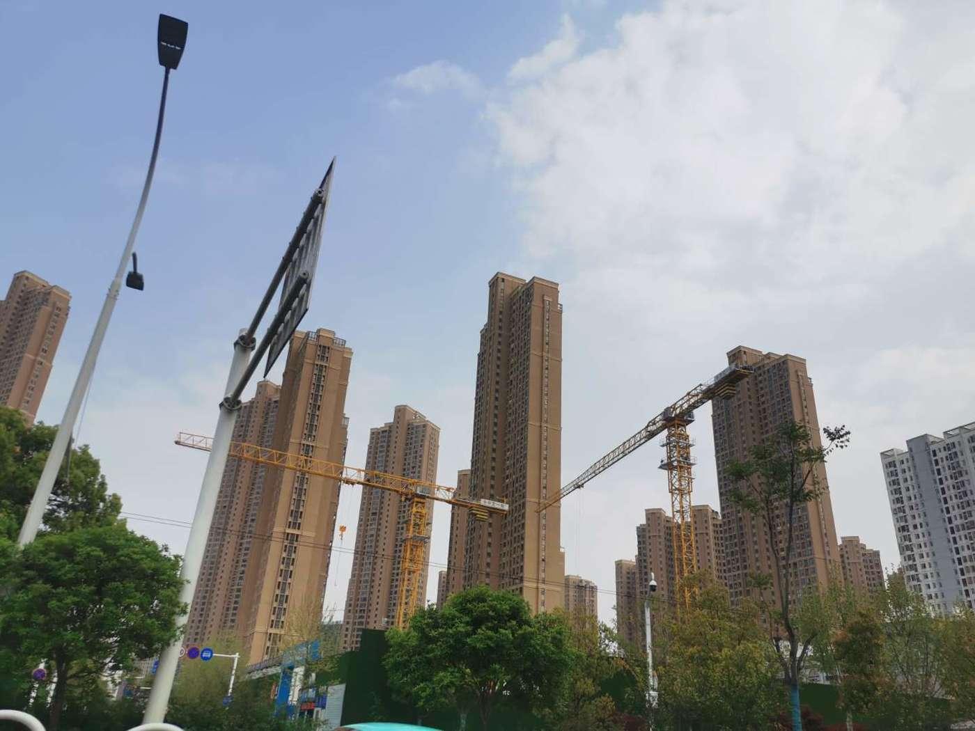 武汉在建楼盘,图自证券时报记者臧晓松
