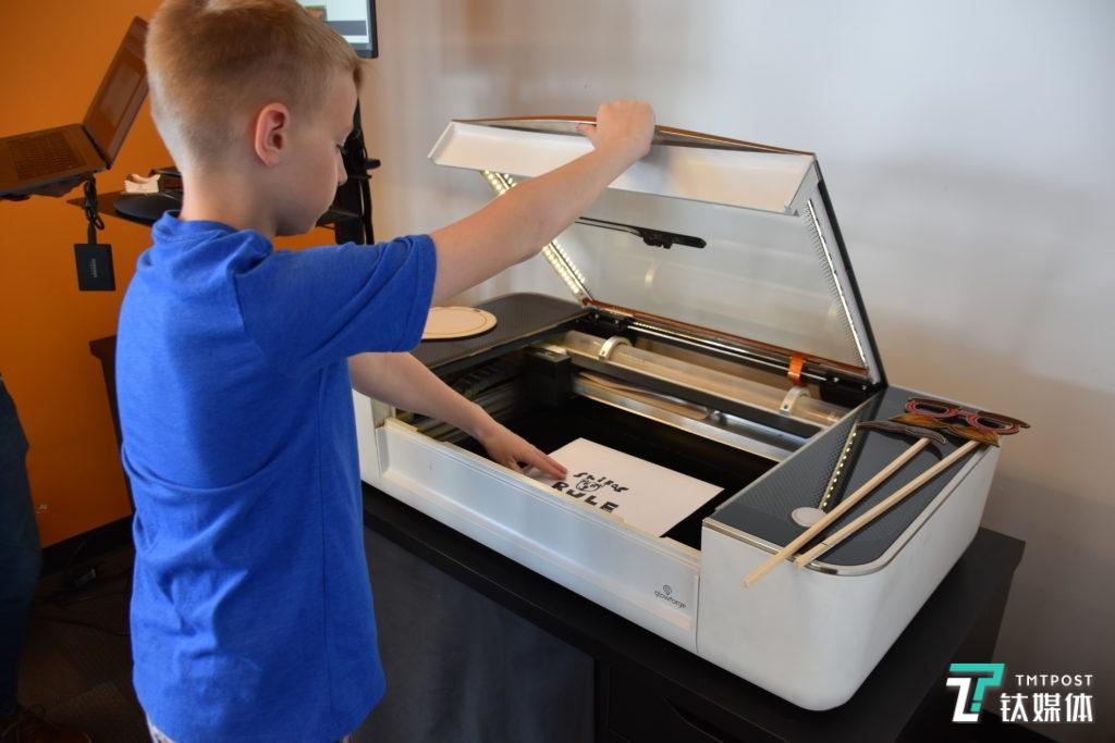 """小学生""""五一""""在家上网课,打印机该怎么选?丨钛度实验室"""