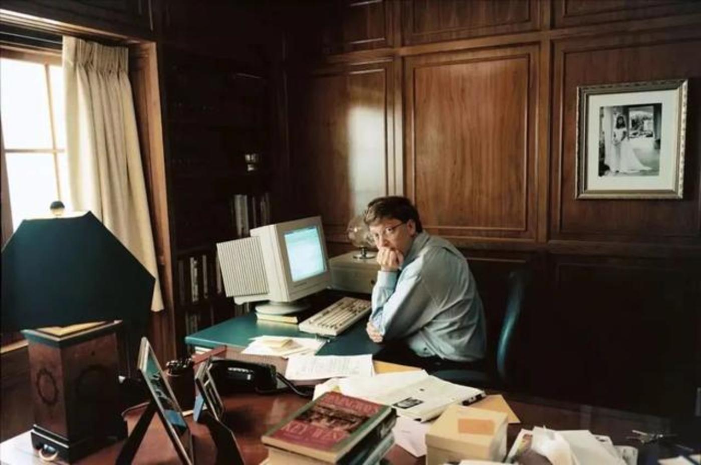 图:工作中的盖茨