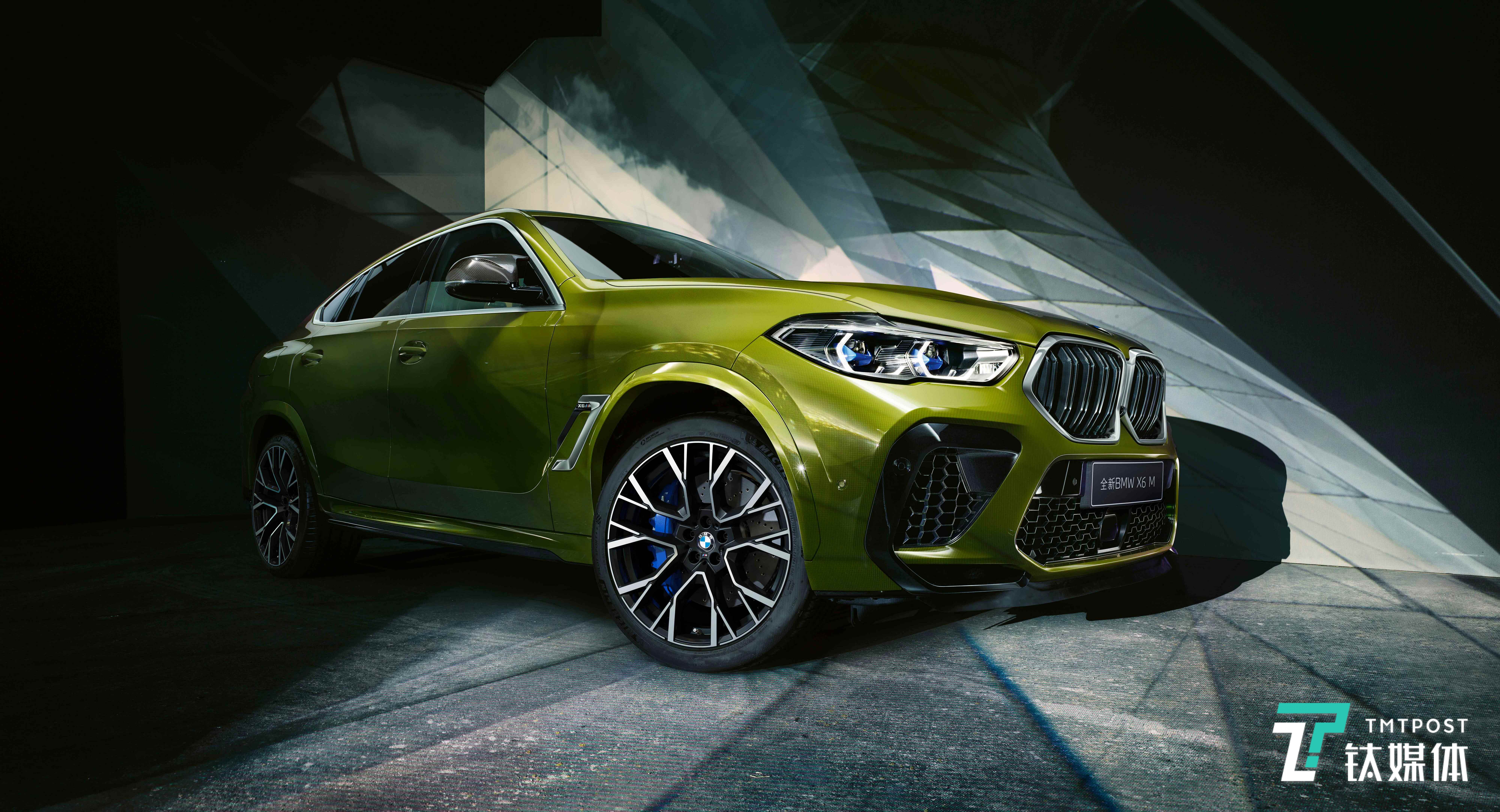 崭新BMW X6M