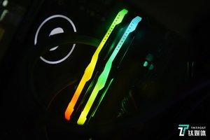 【图集】机甲外壳,炫酷灯效,雷神记忆魔人RGB内存开箱
