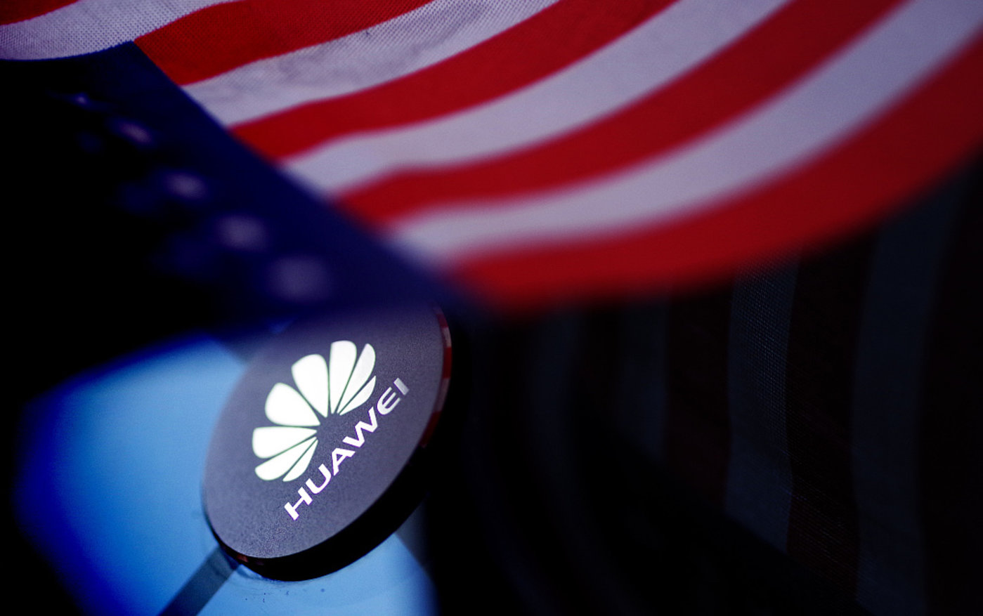 """美国对中国企业发起新一轮管制,从去年开始都有哪些国内公司被""""拉黑""""?"""